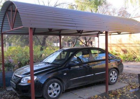 Арочный навес для автомобиля из металлопрофиля