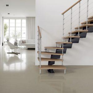 ЛМГО-95. Лестница на металлическом косоуре с деревянными ступенями