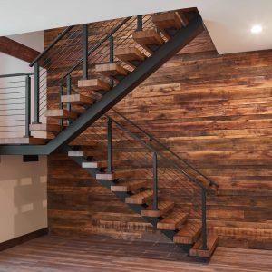 ЛМПО-90. Лестница буквой П для частного дома в стиле лофт