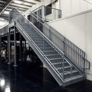 ЛМП-90. Металлическая лестница для производственного помещения