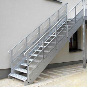 ЛМП-95. Уличная лестница на металлических тетивах