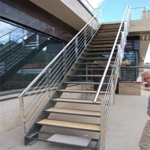ЛМП-80. Прямая лестница на второй этаж коттеджа