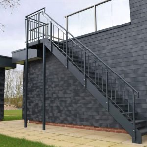 ЛМП-100. Уличная металлическая лестница на мансарду