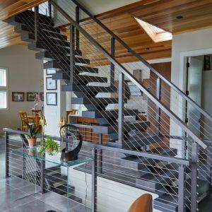 ЛМП-105. Прямая лестница из металла в доме в современном стиле