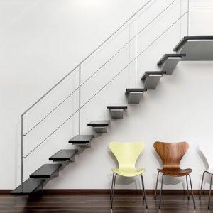 ЛМП-120. Лестница на 2-й этаж с консольными  монолитными ступенями в современном стиле
