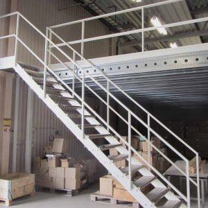 ЛМП-10. Металлическая лестница на второй этаж складского помещения