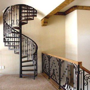 ЛМВ-20. Чёрная радиальная винтовая лестница в современном стиле